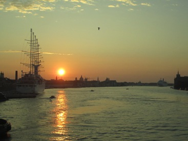 pictures of sun Venice Italy